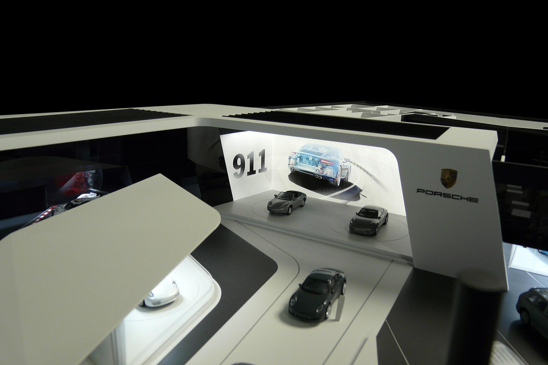 architekturmodell porsche messestand bei der internationalen automobil ausstellung 2015 b la